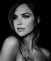 Arielle-Kebbel-Age-Birthday-Height-Net-Worth-Family-Salary-300x221